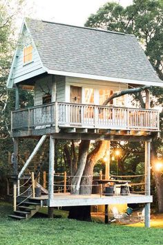 Tiny Treehouse - These Teeny Homes Are Everything - Photos