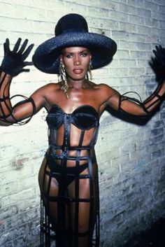 This week, I'm going back in time again. I hope this section isn't turning into a boring history lesson, but one that is fashionably educational, considering they're relevant to our current trends. Our icon today, I feel, fits the bill like a glove. Ladies, I present you The #Grace Jones, a revolutionary fashionista eras before her time.