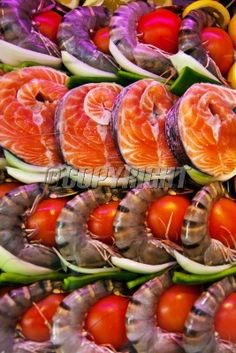 in a fish restaurant fish are to prepare in a display case: Lizenzfreie Bilder und Fotos Restaurant Fish, Display Case, Sushi, Paris, Ethnic Recipes, Food, Royalty Free Images, Food Food, Glass Display Case
