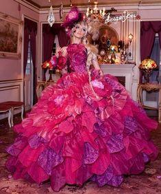 Gypsy Wedding Dresses for Your Wedding - Carey Fashion Gypsy Wedding Gowns, My Big Fat Gypsy Wedding, Gipsy Wedding, Big Wedding Dresses, Big Dresses, Gypsy Dresses, Formal Dresses For Weddings, Floral Dresses, Beautiful Costumes