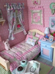 Miniature Rooms, Miniature Crafts, Miniature Houses, Miniature Furniture, Dollhouse Furniture, Diy Dollhouse, Dollhouse Miniatures, Diy Barbie Furniture, Doll House Plans
