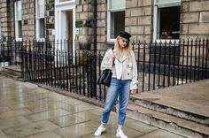 Baker boy hat, fall look, Scotland, Edinburgh, white shirt, jeans, casual. More on afnewsletter.com