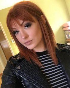 haar pony Mein Make-up sah gestern ver - haar Short Red Hair, Short Straight Hair, Red Hair With Bangs, Short Auburn Hair, Medium Auburn Hair, Straight Across Bangs, Red Hair Fringe, Short With Bangs, Hairstyles For Medium Length Hair With Bangs