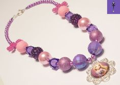 Your place to buy and sell all things handmade Elsa Frozen, Disney Frozen, Chunky Beads, Girls Jewelry, Vintage Jewelry, Beaded Necklace, Bling, Women's Fashion, Jewels