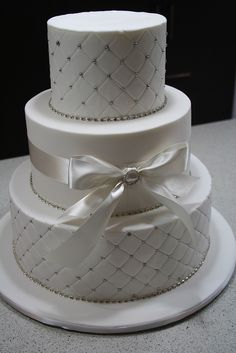 Bows & Bling wedding cake