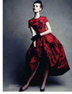 thelingerieaddict:    Perfect dress.