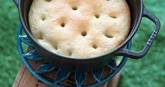 鍋から漂うパンの香りに食欲アップ|『ELLE gourmet(エル・グルメ)』はおしゃれで簡単なレシピが満載!