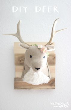 We Lived Happily Ever After: DIY Deer Head Stuffed Animal Taxidermy - though not really! Muñeca Diy, Easy Diy, Clever Diy, Craft Projects, Sewing Projects, Sewing Tutorials, Faux Taxidermy, Animal Heads, Baby Kind