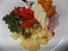 Salată de legume cu maioneză vegetală Cabbage, Grains, Rice, Recipes, Food, Essen, Cabbages, Meals, Eten