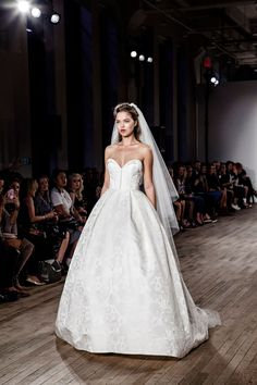 Book your appointment for the very first Allison Webb bridal trunk show! At JLM Couture Boutique, CA.
