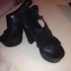 """Diesel platform 4"""" heels sexy!! Black nu buck leather 4"""" heels worn once very high sexy open toed gorgeous!! Diesel Shoes Platforms"""