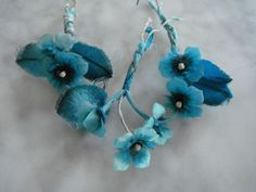 vVntage 1950s millinery flower trims 3 pc turq and black milliners bench Japan