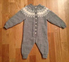 Ravelry: LinnRG's Snøløvdress Kid Swag, Baby Knitting Patterns, Knitting Projects, Kids Clothing, Knits, Ravelry, Baby Dolls, Crocheting, Knit Crochet