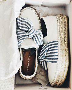 Look Fashion, Fashion Shoes, Womens Fashion, Crazy Shoes, Me Too Shoes, Espadrilles, Mode Shoes, Shoe Closet, Shoe Game