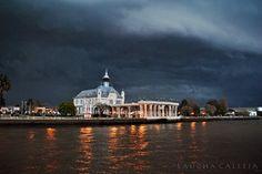 tarde tormentosa en el ex Tigre Hotel, Tigre, Buenos Aires