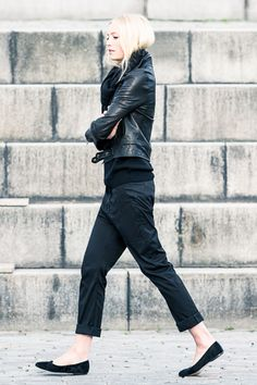 All black outfit - Winter outfit ideas and street style inspiration - #fashion #style #outfit