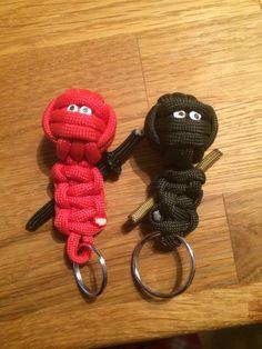 Ninjaparacord nyckelringar
