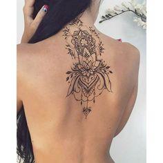 Attractive Back of Neck Tattoo Designs - tatoo ideas - Tatouage Pretty Tattoos, Sexy Tattoos, Love Tattoos, Beautiful Tattoos, Body Art Tattoos, Tatoos, Henna Tattoos, Feminine Tattoos, Mehndi Tattoo