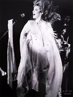 Stevie Nicks: casting her spell.