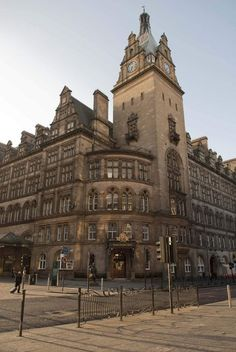 Located at Glasgow Central Station, the Grand Central is an iconic hotel set within Glasgow's shopping district.