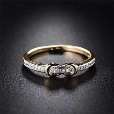 Flashy diamond rings