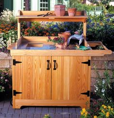 Potting Bench Woodworking Plan from WOOD Magazine