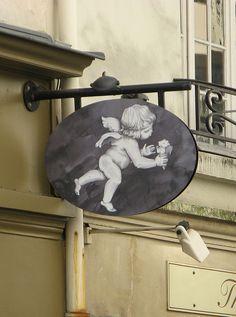 Amorino Gelato Al Naturale, Paris Restaurant Signs, Pub Signs, Tuileries Paris, Shop Signage, Metal Signage, Storefront Signs, Signs Of Life, Art Populaire, Angels Among Us