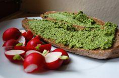 Pesto z dýňových semen a ředkvičkových listů ~ Ze zahrady do kuchyně