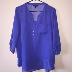 ⭐️Express Blouse⭐️ No holes or rips. Great condition. Any questions just ask! Express Tops Blouses