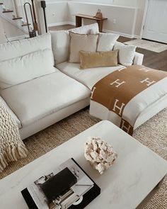 Home Living Room, Apartment Living, Living Room Designs, Living Room Decor, Beige Living Rooms, Bedroom Decor, My New Room, Home Interior Design, Home Decor Inspiration