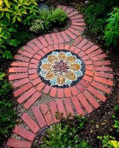 creative diy garden walkway idea Garden paths and walkways can add beauty and whimsy, minimalist chic, or pretty practicality to your garden or lawn. Brick Projects, Mosaic Projects, Diy Projects, Outdoor Projects, Brick Crafts, Pebble Mosaic, Mosaic Diy, Mosaic Ideas, Mosaic Walkway