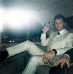 rare Elvis Photo ~He's just so darn breathtaking.........sigh
