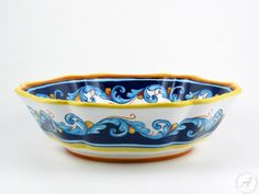 Italian pottery - Ricciarelli serving bowl