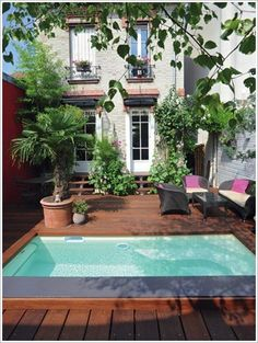 Above Ground Pool Ideas - In the summer, people like spending few hours in the swimming pool. However, you may hate the way your above ground pool looks in your backyard. Small Swimming Pools, Small Backyard Pools, Small Pools, Swimming Pool Designs, Outdoor Pool, Outdoor Spaces, Outdoor Living, Outdoor Decor, Backyard Ideas