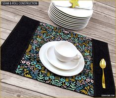 Panel Place Mats with Large Motif Fabric   Sew4Home