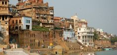 Viaje de novios a India Romántica - Benares. #ViajeDeNovios #LunaDeMiel #India Agra, Jaipur, Taj Mahal, India, Street View, Building, Honeymoons, Voyage, Boyfriends