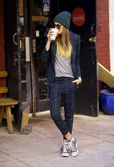 Chic with sneakers... Several looks on this blog