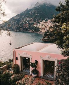 pink house on amalfi coast. / sfgirlbybay