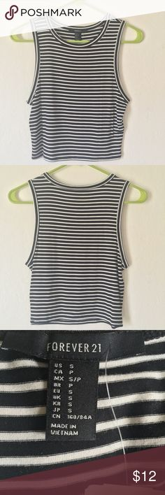 Striped F21 Crop Tanktop ⚫️Stripped F21 Sleeveless Croptop⚫️  •Black/White Style •Size Small •Purchased from Forever 21 •NWT‼️  SHIPS OUT SAME DAY OR NEXT DAY                   ✨CLOSET RULES:✨                      •NO TRADES❌                      •NO LOW BALLERS❌                      •Smoke-Free Home✔️                      •100% AUTHENTIC✔️                      •Offers Forever 21 Tops Crop Tops