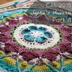 Welcome to Part 4 of the Sophie's Universe CAL 2015. In part 4 you will complete the original Sophie's Garden Square. Next week the real fun will begin!