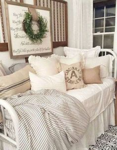 Daybed in french country style with linens and farmhouse pillows. Create a bedro… Daybed in french country style with linens and farmhouse pillows. Modern Farmhouse Bedroom, French Country Bedrooms, Country Farmhouse Decor, French Country Decorating, Farmhouse Style, French Farmhouse, Country Kitchen, Modern Bedroom, Farmhouse Daybeds