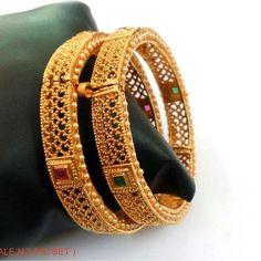 Gold Bangles Design, Gold Earrings Designs, Gold Jewellery Design, Gold Jewelry, Diamond Jewelry, Gold Mangalsutra Designs, Bangle Set, Bangle Bracelets, Indian Gold Bangles