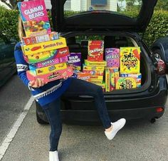Bewitching Is Junk Food To Be Blamed Ideas. Unbelievable Is Junk Food To Be Blamed Ideas. Sleepover Snacks, Fun Sleepover Ideas, I Love Food, Good Food, Yummy Food, Sour Skittles, Junk Food Snacks, Little Lunch, Food Goals