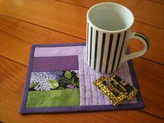 """Quilts & Patchwork - Mug Rug """"Fliederduft IV"""" (Becherteppich) - ein Designerstück von 19Amanda53 bei DaWanda"""