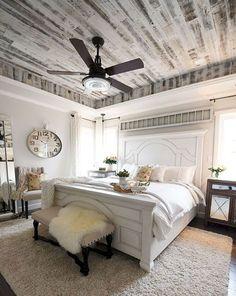 Rustic Farmhouse Master Bedroom Ideas (11)