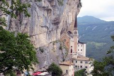 madonna della corona Madonna, Lake Garda, Trekking, Mount Rushmore, Nature, Travel, Bella, Corona, Italia