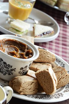 An autumnal tea: spiced maple scones with butternut maple butter, Thai-inspired pumpkin soup, and finger sandwiches with creamy onion spread. Click through for more pics & recipes.