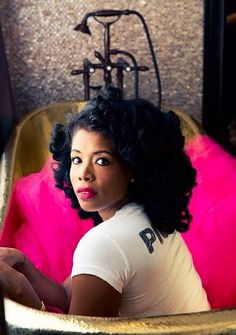 Kelis with pink tulle