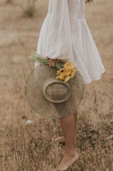Creative Photography, Portrait Photography, Fashion Photography, Kreative Portraits, Photographie Portrait Inspiration, Foto Blog, Mode Vintage, Photoshoot Inspiration, Aesthetic Pictures