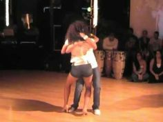 A lot of ballroom dancers seem to turn their noses up at bachata but I love it. This video demonstrates why: Xtreme Te Extrano ~ Original version © lighter verison Dance Baile, Bachata Dance, Salsa Bachata, Dance Moves, Latina, Belly Dancing Classes, Dance Music Videos, Dance Like No One Is Watching, Salsa Dancing